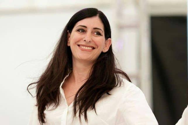 La diseñadora Martina González de Breña Baja, finalista en los Premios Nacionales de Artesanía 2016