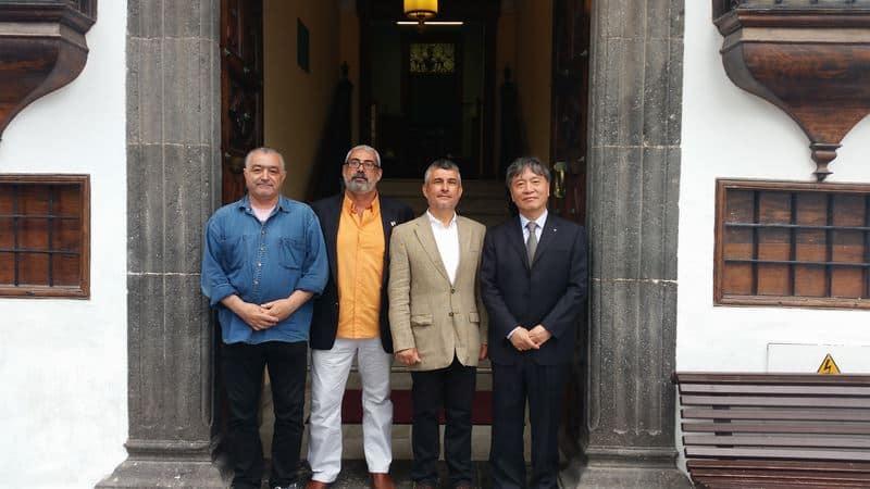 El director de la División de Ciencias Ecológicas y de la Tierra, Han Qunli, en La Palma