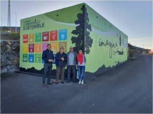 """El mural """"imagina"""", de la artista palmera Aroa González, alusivo a los Objetivos de Desarrollo Sostenible, luce en el barrio de Las Manchas."""